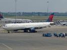 N812NW, Amsterdam Schiphol Airport, Juni 2014
