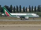 EI-IMR, Bari Palese Airport, Oktober 2012