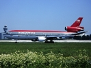 N233NW, Amsterdam Schiphol Airport, Mai 2001